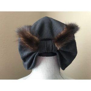 Soft Vintage Black Felt Hat with Brown Fur Trim